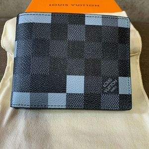 Other - LV wallet